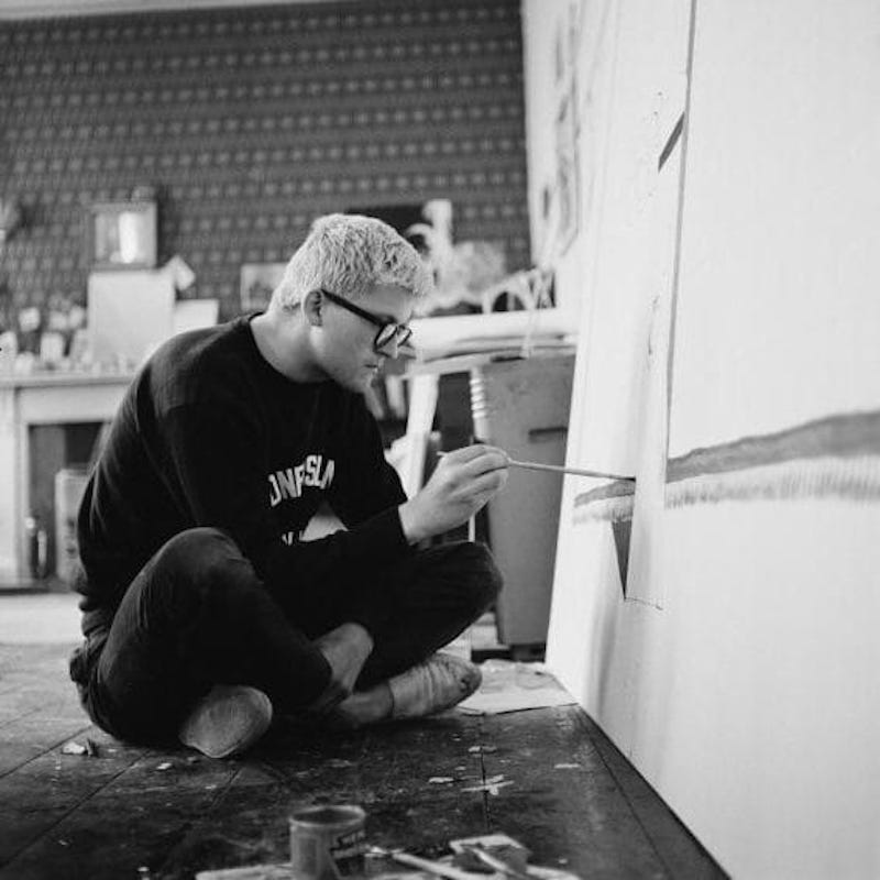 95754250 English artist David Hockney working in a studio circa 1967. Photo by Tony Evans Getty large trans NvBQzQNjv4Bqc14 4Xza5jnKOlXIEhPy8hMtC9CL6gjBHVzm73KpwD4 DAVID HOCKNEY
