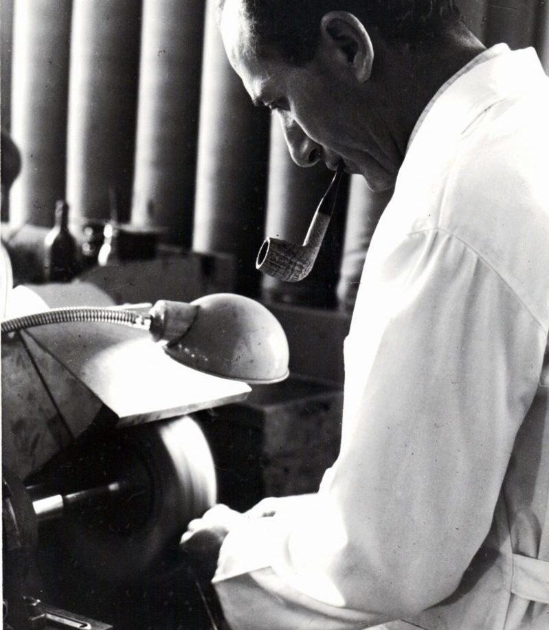 1956 Achille Savinelli e1513250911667 TRE SPLENDIDI NEGOZI