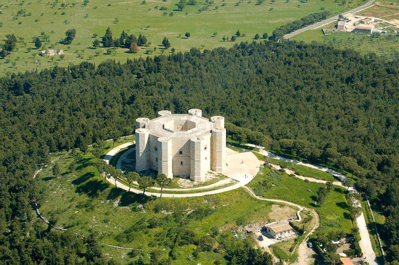 castel del monte3 CASTELLI ITALIANI DA FILM