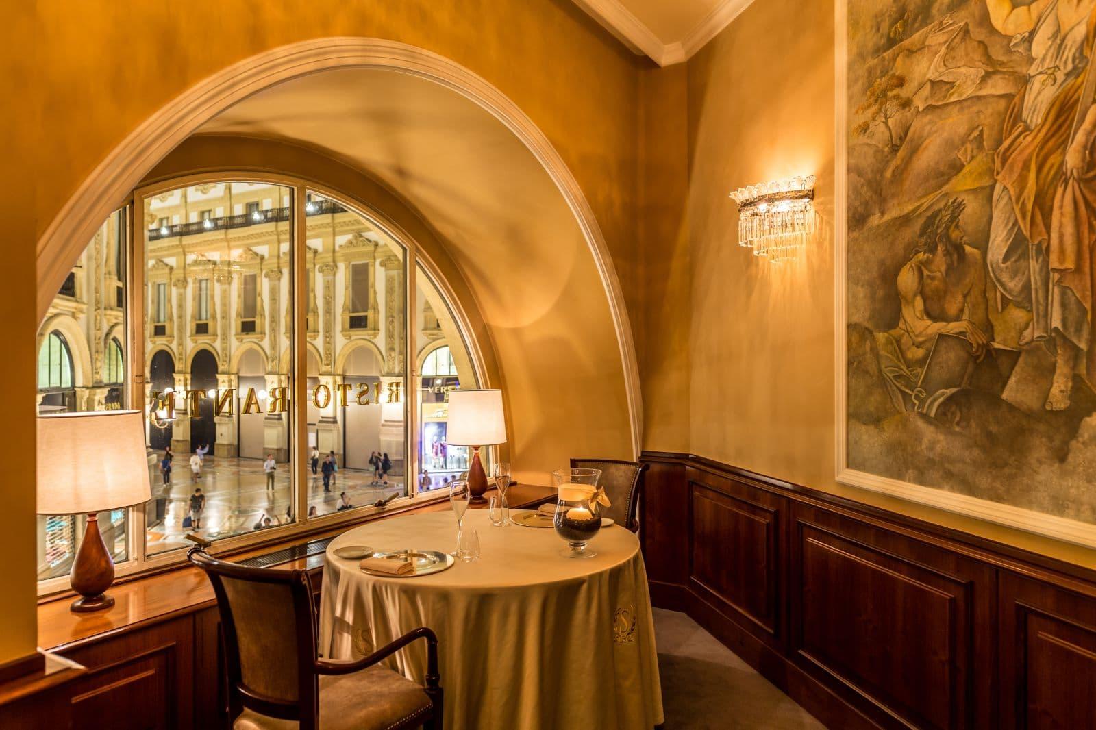 ristorante savini milano sala 03 CAFFE STORICI MILANO