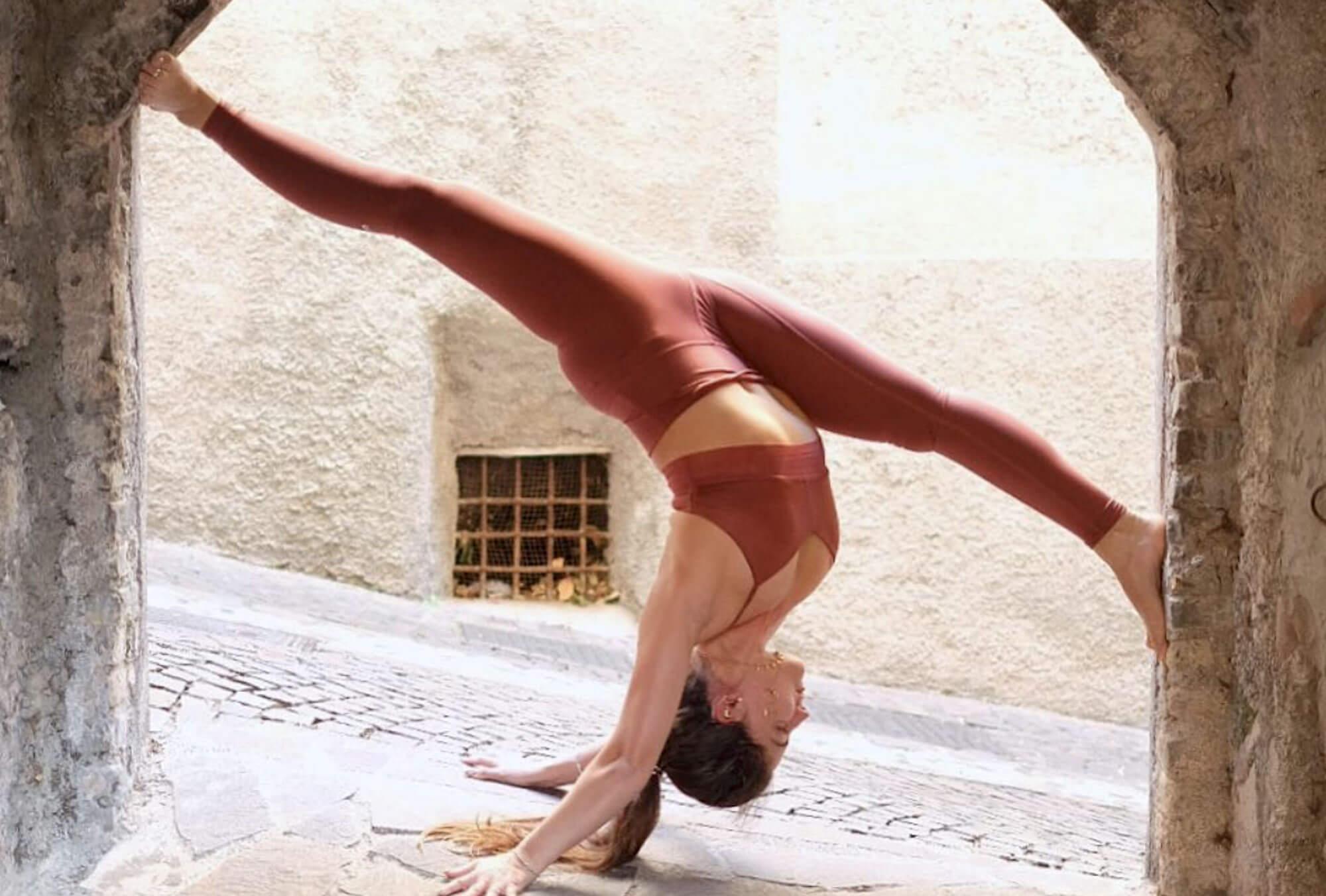 Schermata 2018 11 12 alle 19.24.11 INSTAGRAM PROFILES: #yoga