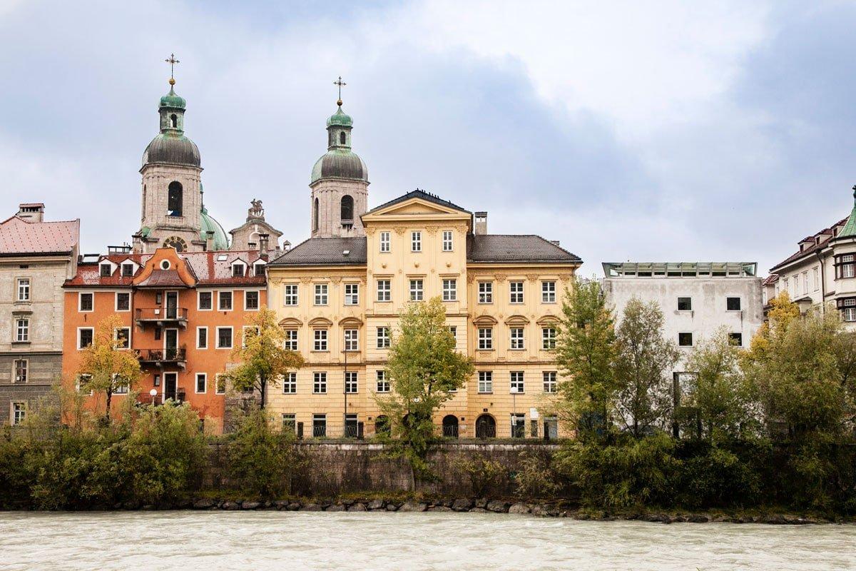 Innsbruck Centro Storico sul Fiume Inn e Colonne del Duomo COSA VEDERE A INNSBRUCK