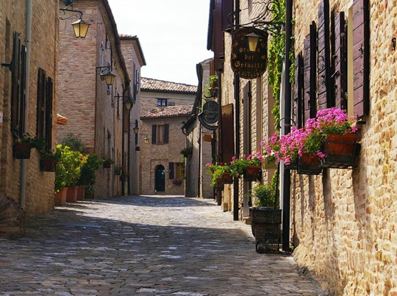 il borgo di montegridolfos5a588 4 6 BORGHI BELLI DEL NORD ITALIA