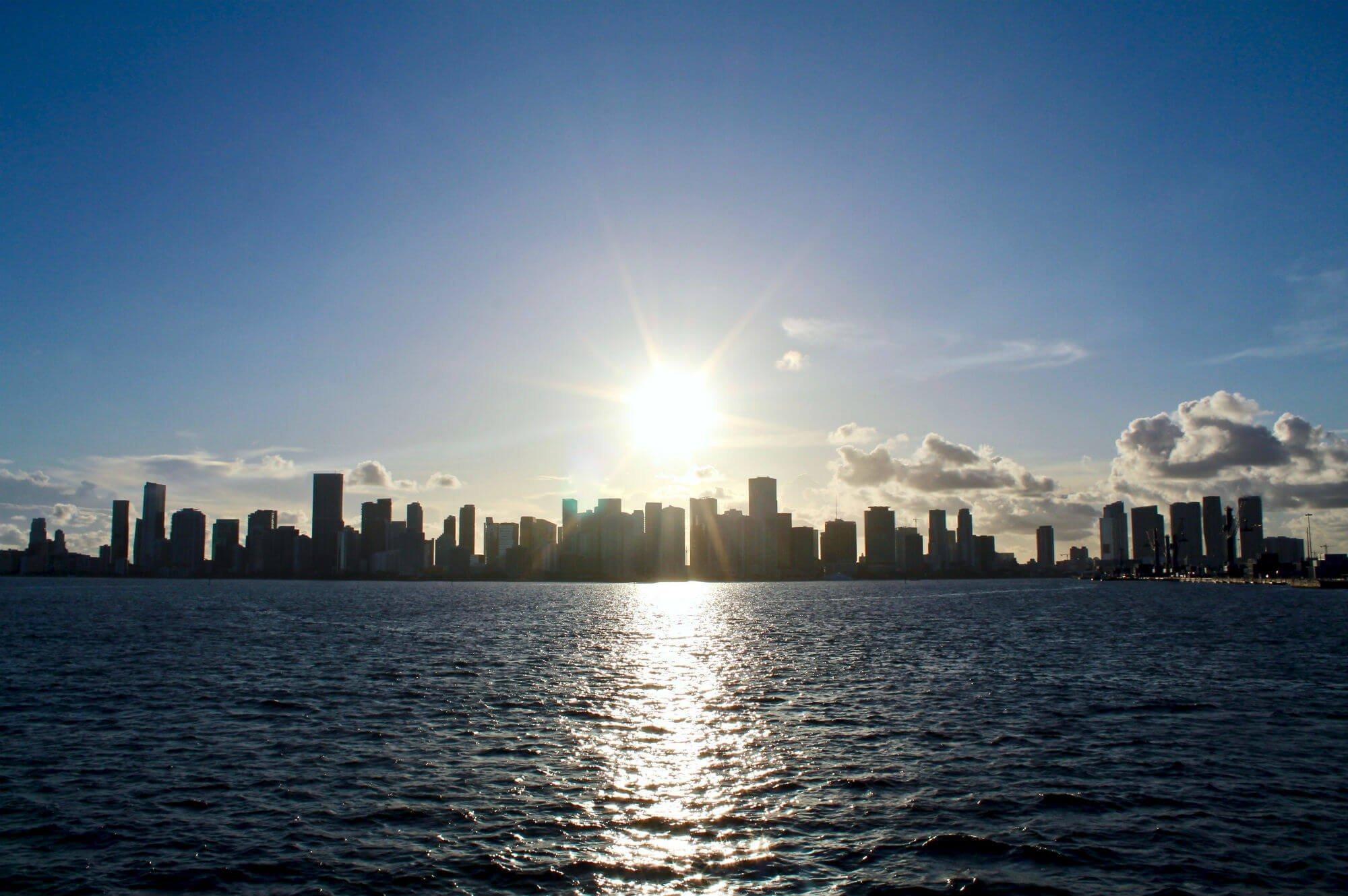 miami skyline DOVE MANGIARE A MIAMI