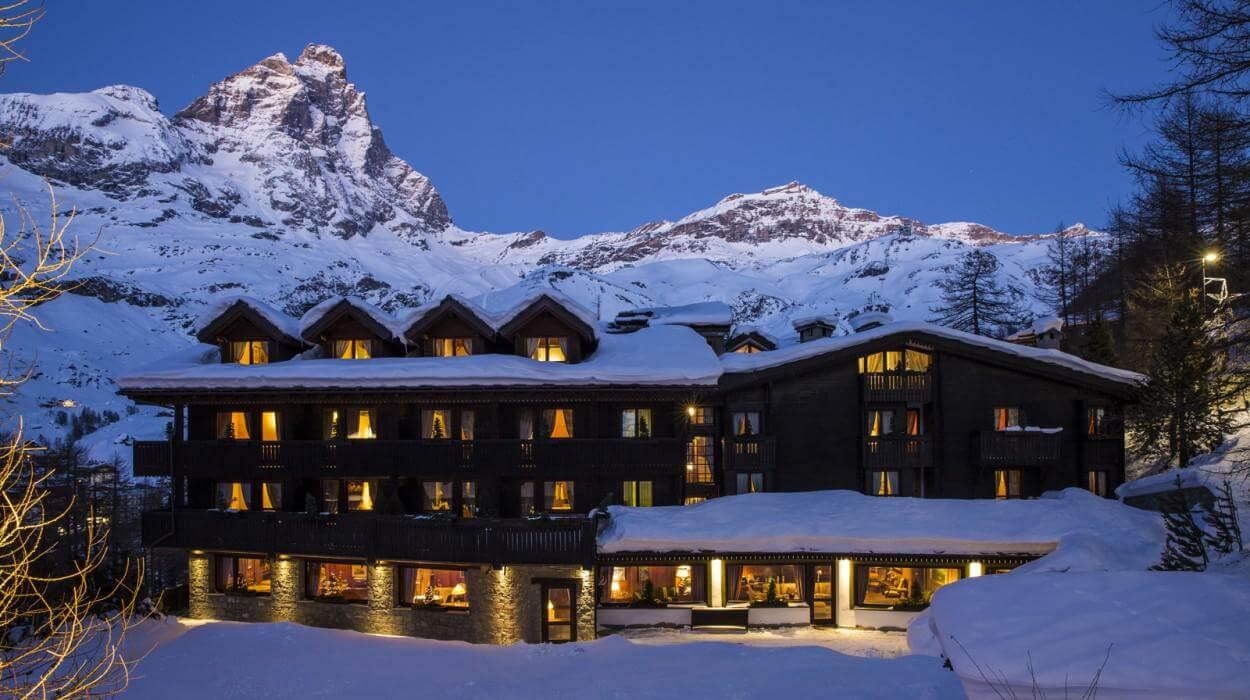 hotel hermitage relais chteaux 1000 560 1785 1514973860 DESIGN HOTEL SULLE ALPI