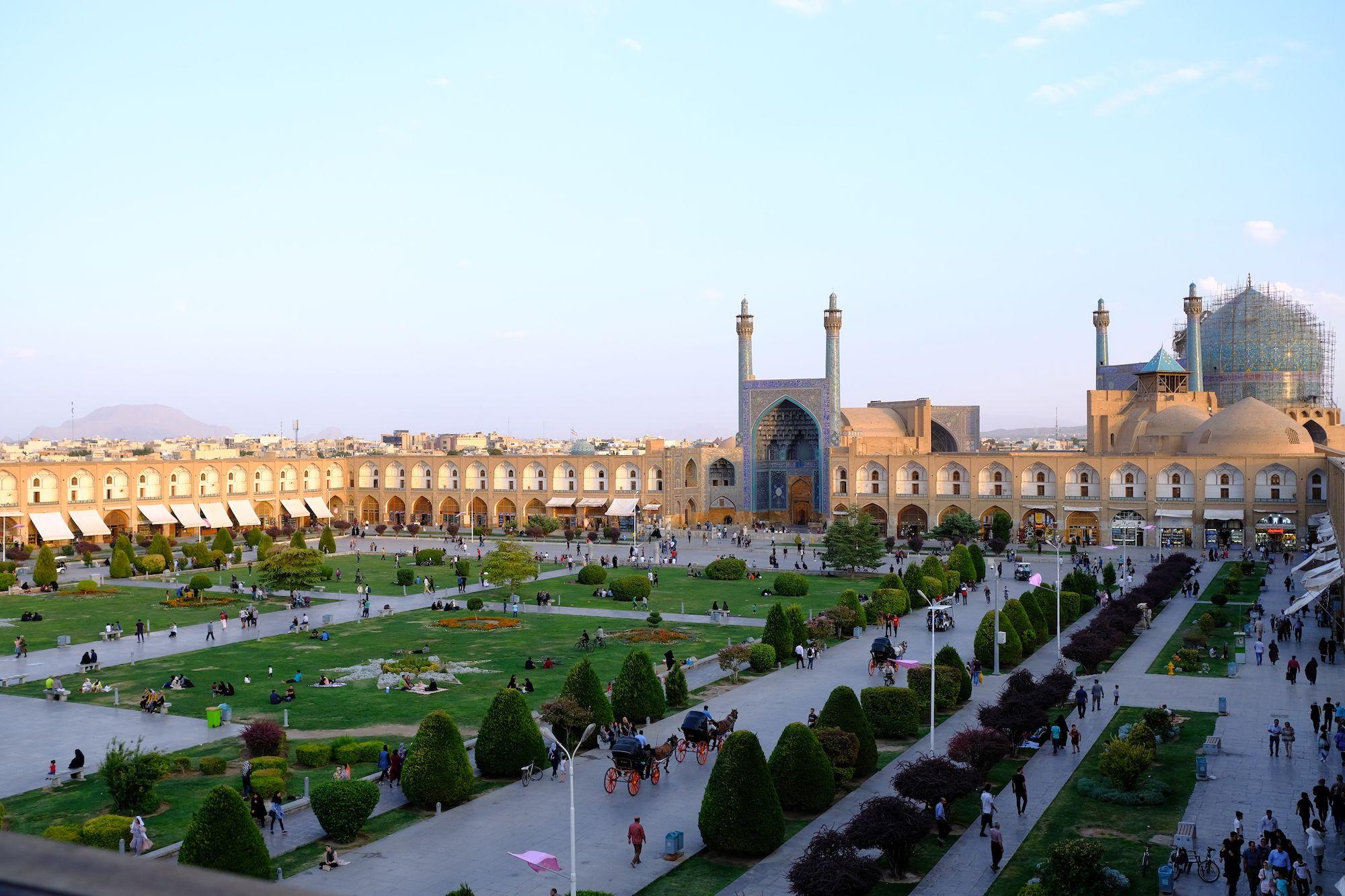Isfahan Piazza Naqsh e Jahan 1 compressor IRAN ON THE ROAD