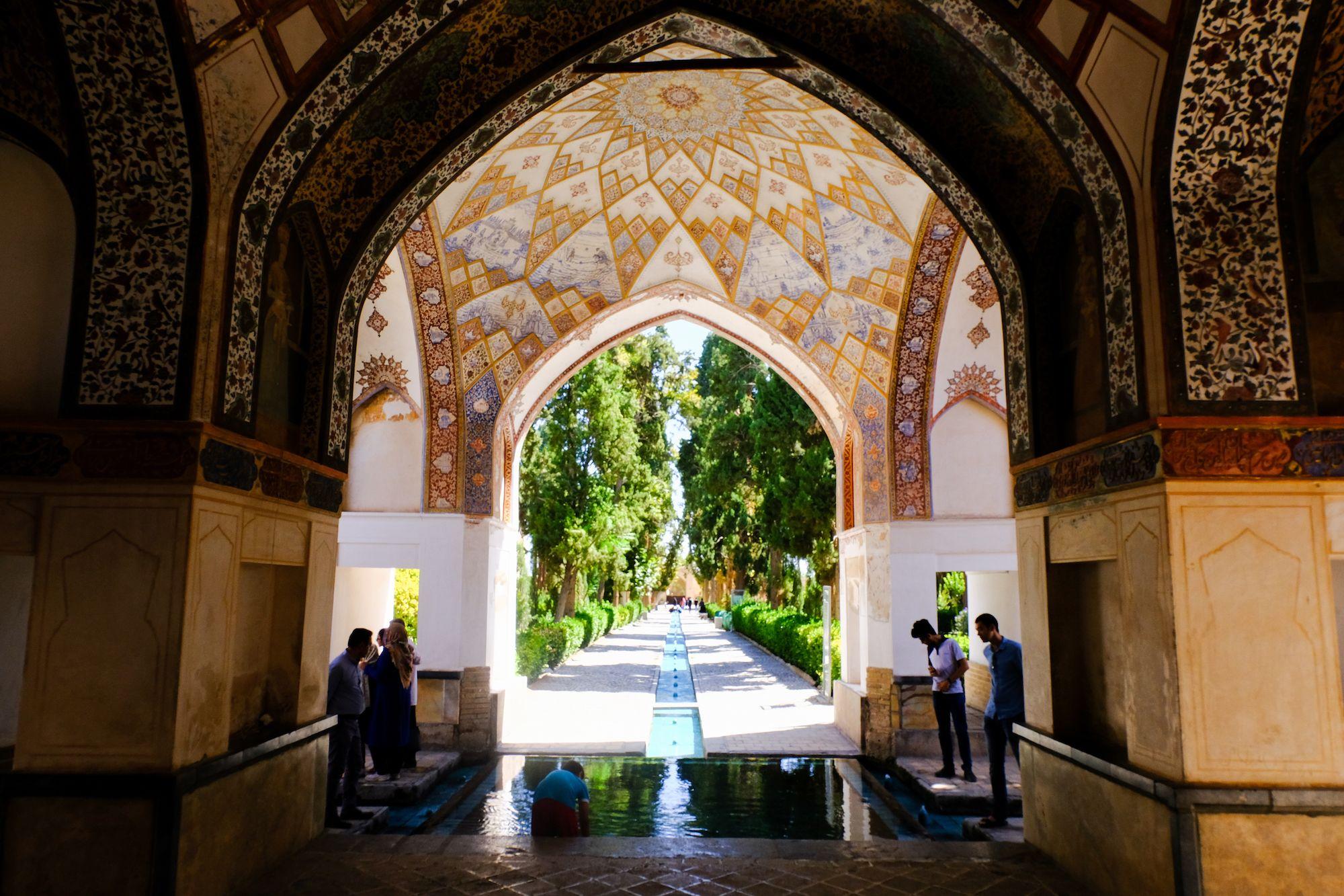 Kashan Giardino di Fin 1 compressor IRAN ON THE ROAD