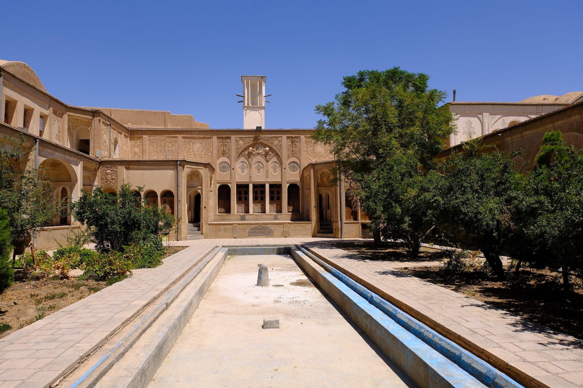 Kashan casa Boroujerdi 1 compressor IRAN ON THE ROAD