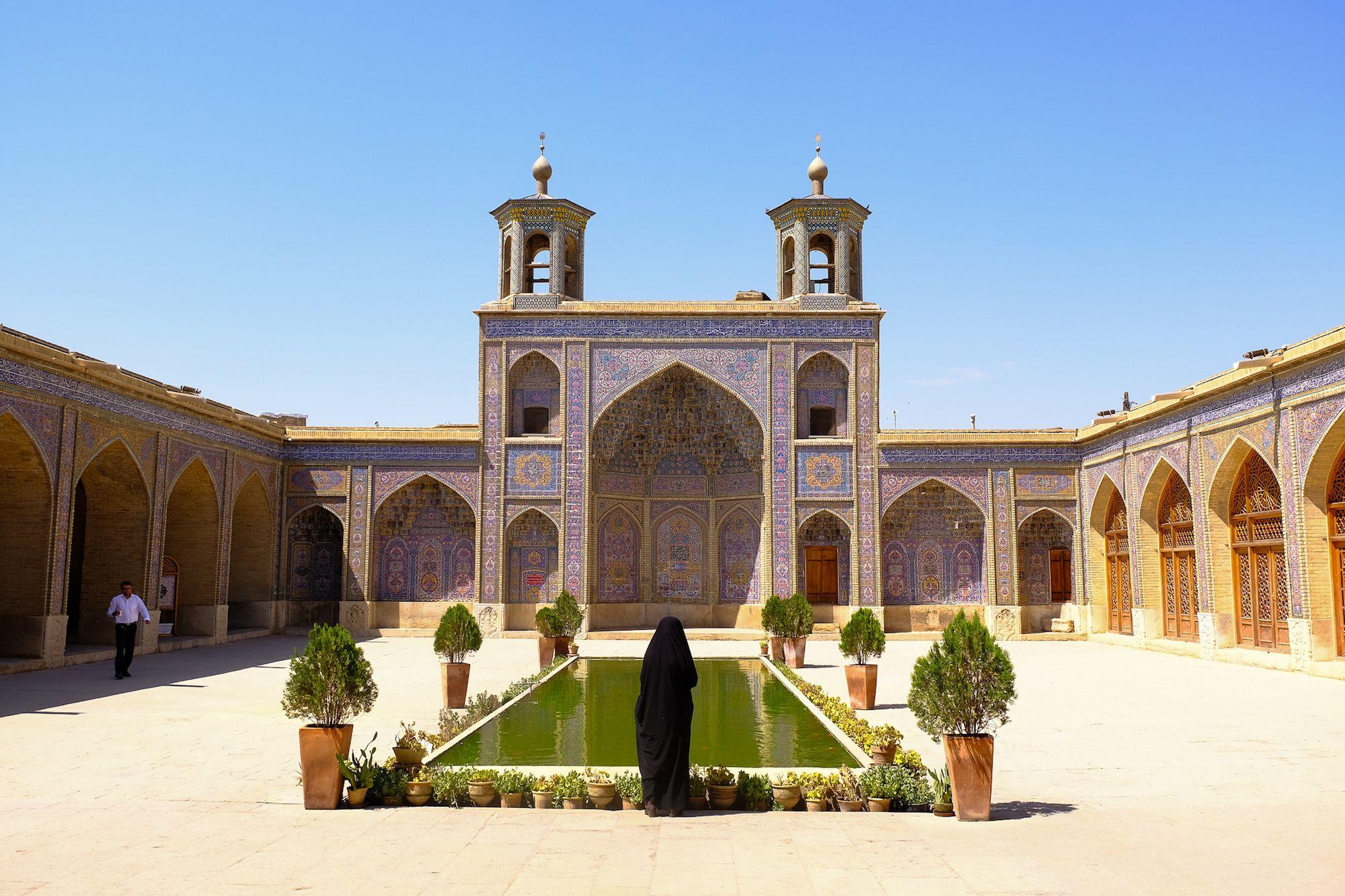 Shiraz Moschea Rosa 1 compressor IRAN ON THE ROAD