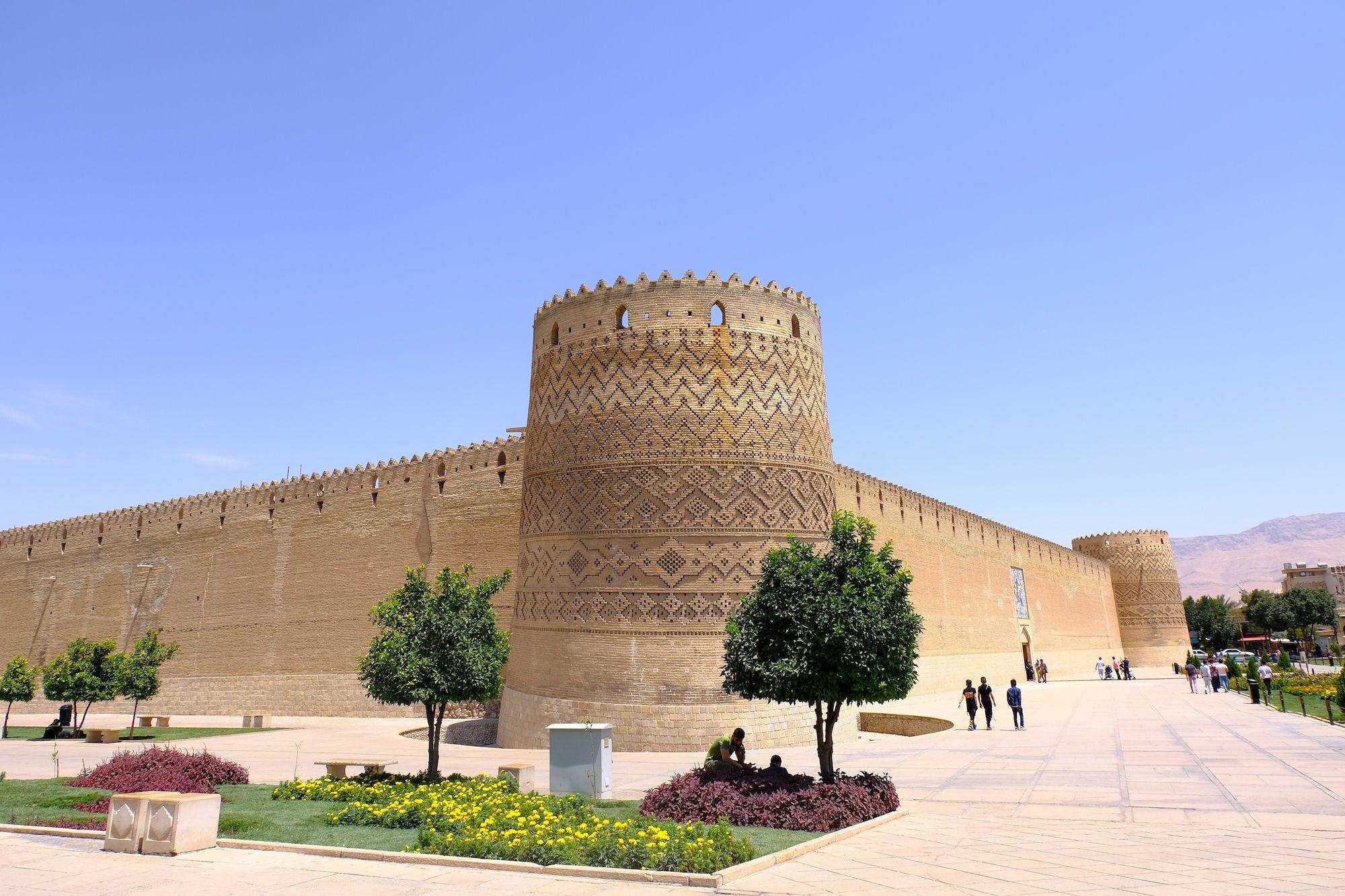 Shiraz fortezza Karim Khan compressor IRAN ON THE ROAD