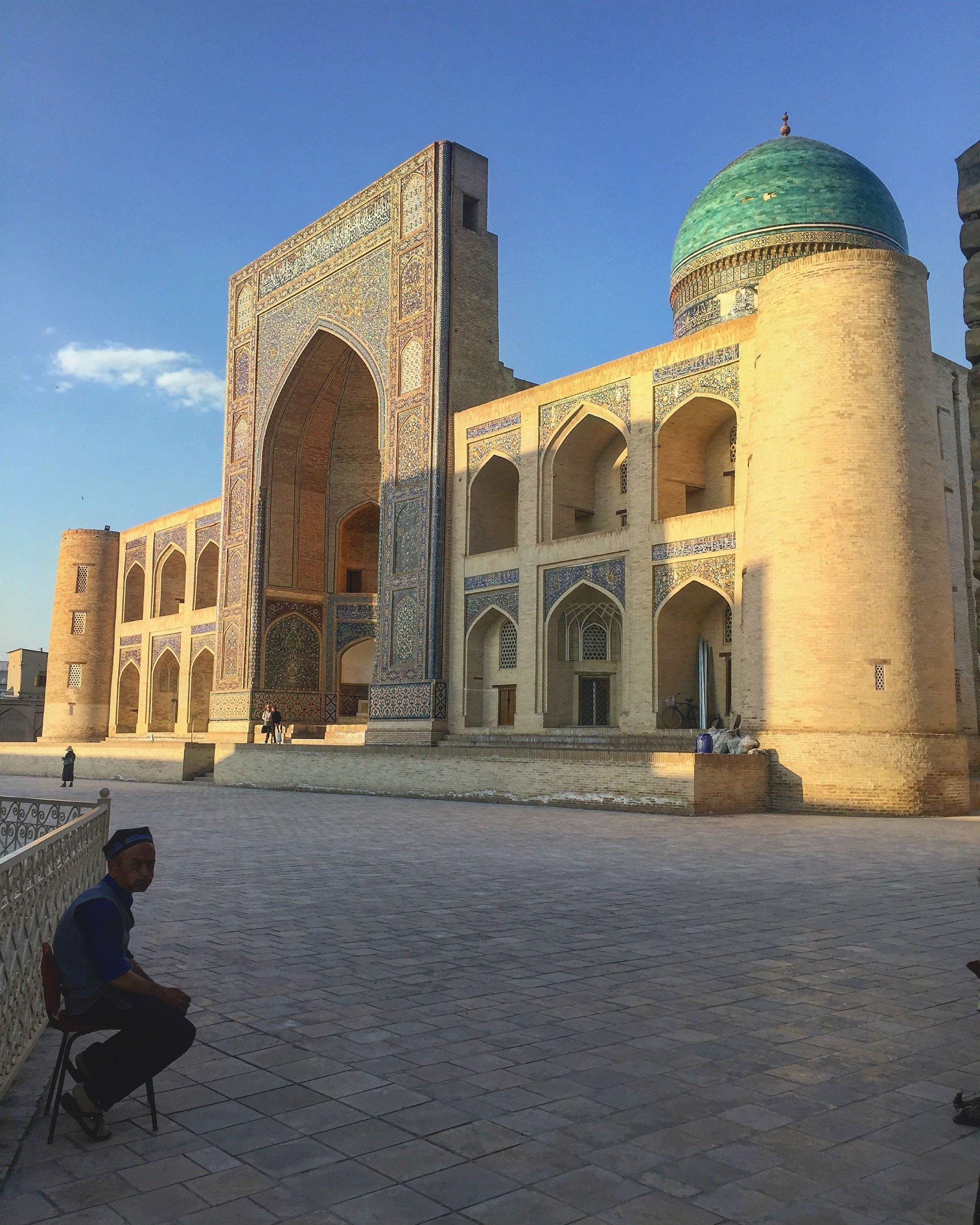 UZBEKISTAN Bukhara Mir i Arab Madrasa VIAGGIO IN UZBEKISTAN