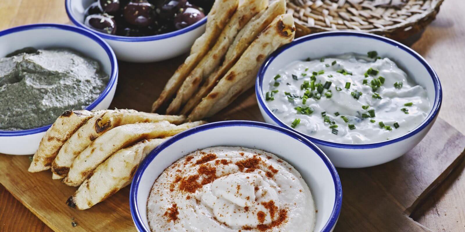 cucina greca milano vasiliki kouzina 1600x800 LA NOSTRA SELEZIONE DI FOOD DELIVERY