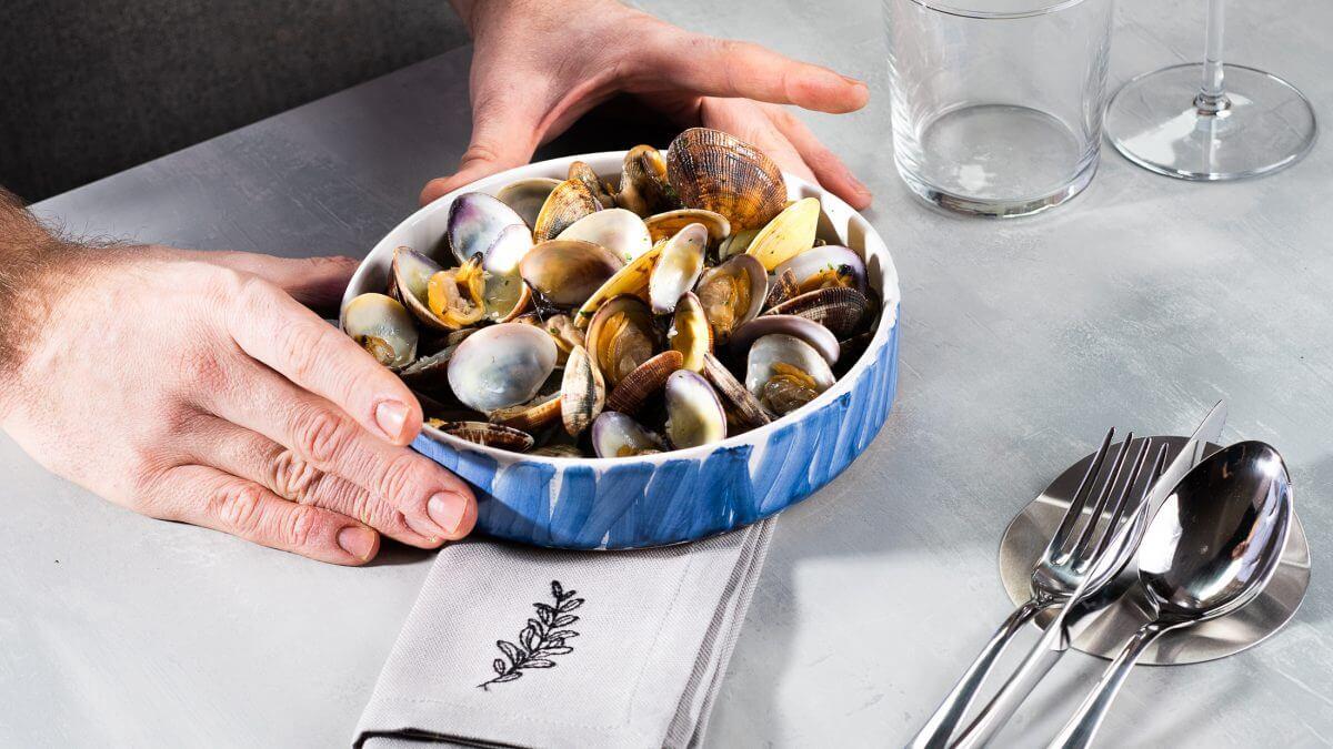 Vongole brodo di molluschi 1200x675 1 INSIEME